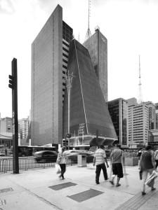 architettura-San-Paolo-grattacielo