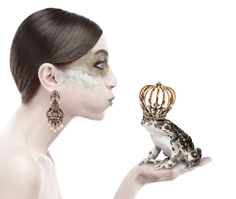 Alcozer-2011-oro-gioielli-rana-modella