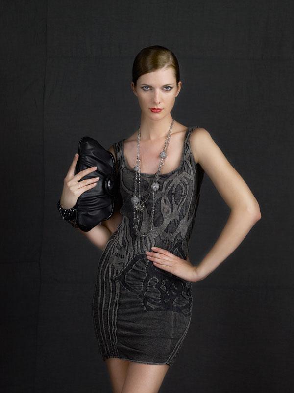 Pholya-modella-cappelli-2012